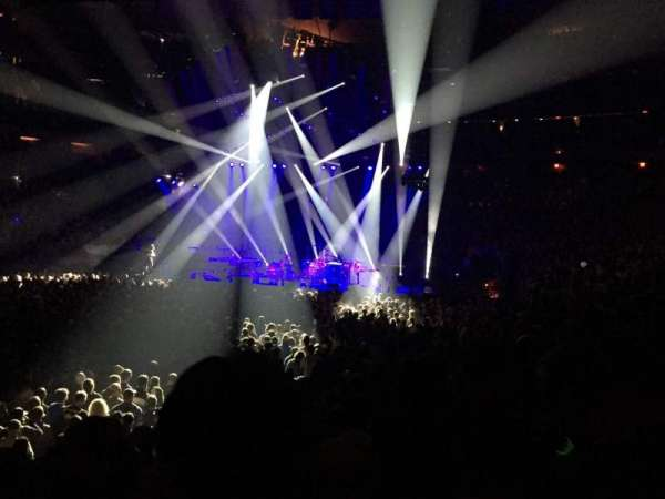 Madison Square Garden, section: 105, rangée: 7, siège: 12