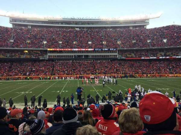 Arrowhead Stadium, section: 101, rangée: 20, siège: 24