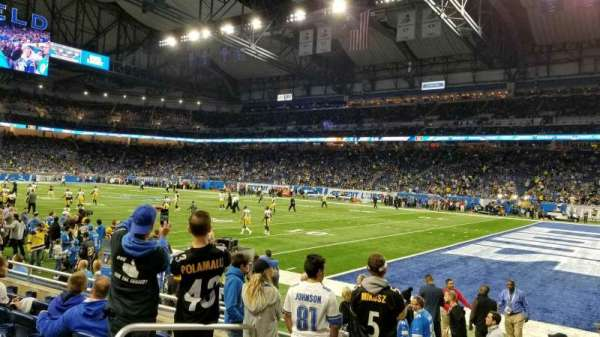 Ford Field, section: 111, rangée: 6, siège: 4