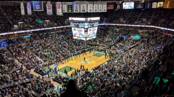 BMO Harris Bradley Center, section: 406, rangée: S, siège: 3