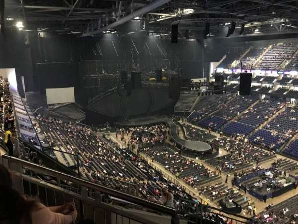 The O2 Arena, section: 407, rangée: J, siège: 617
