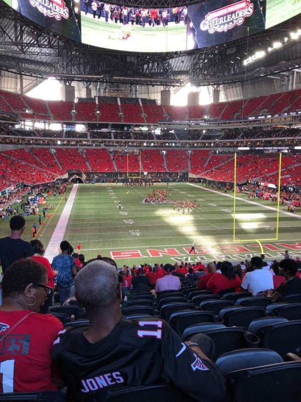 Mercedes-Benz Stadium, section: 102, rangée: 38, siège: 22