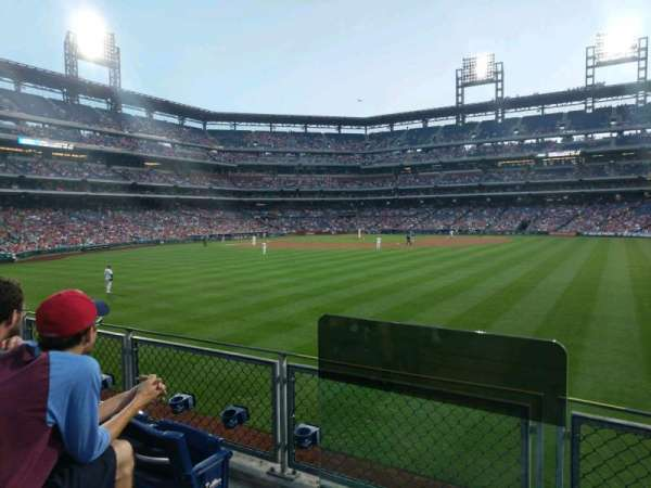 Citizens Bank Park, section: 101, rangée: 3, siège: 15