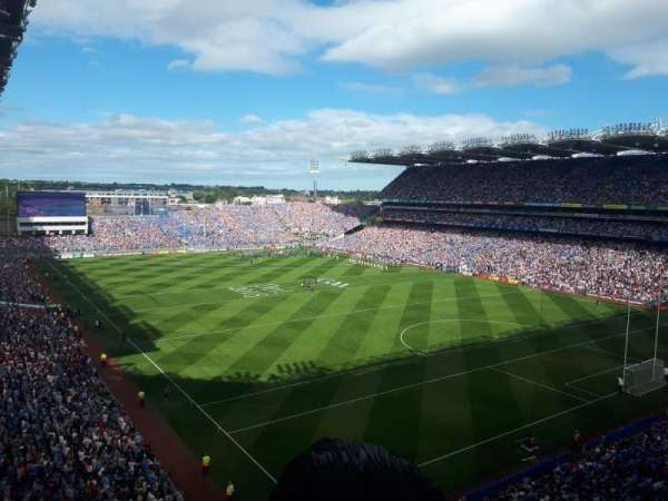croke park, section: davin stand upper, rangée: c