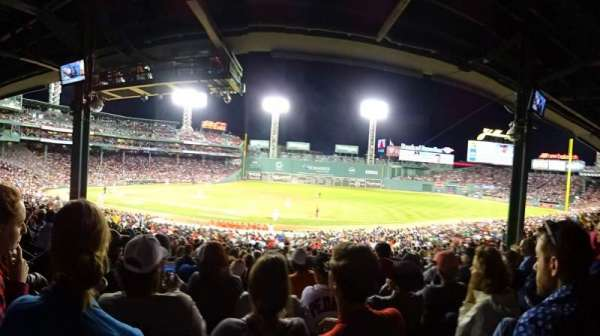 Fenway Park, section: Grandstand 14, rangée: Row 9, siège: Seat 17