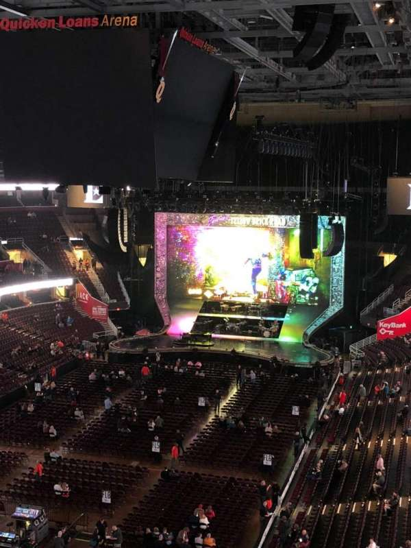 Quicken Loans Arena, section: 202, rangée: 4, siège: 10,11