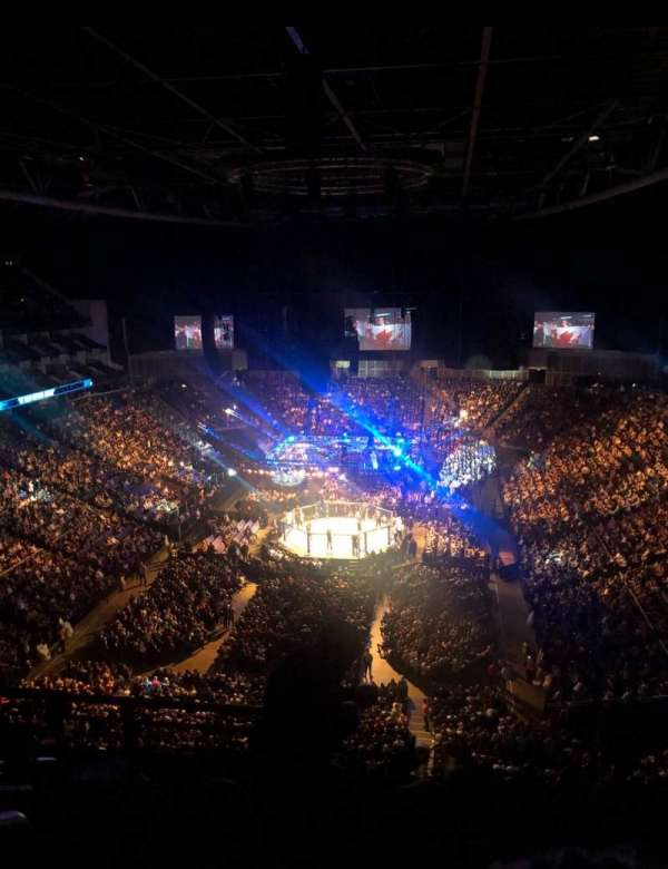 The O2 Arena, section: 412, rangée: G, siège: 736