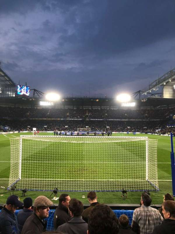 Stamford Bridge, section: Shed Lower, rangée: 9, siège: 110