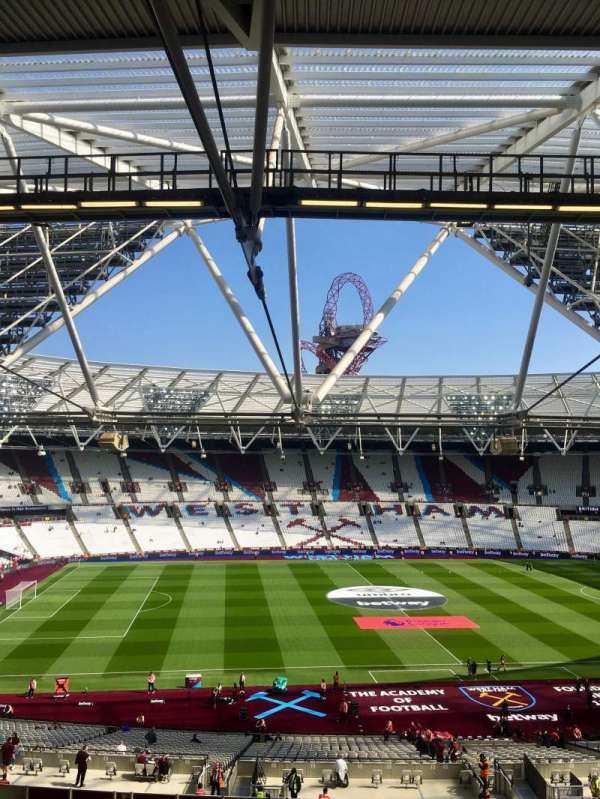 London Stadium, section: 206, rangée: 57, siège: 483