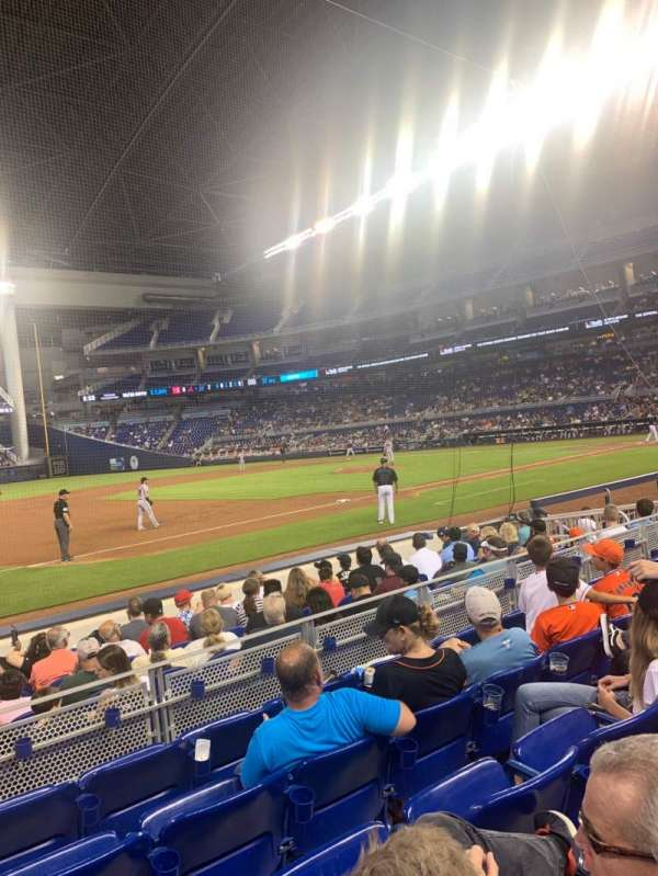 Marlins Park, section: 22, rangée: E, siège: 17
