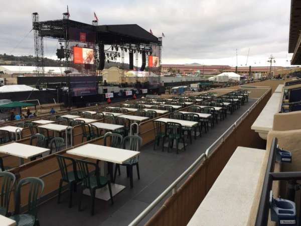 The Corona Grandstand Stage at the Del Mar Fairgrounds, section: BX 57A, rangée: 1, siège: 6