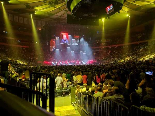 Madison Square Garden, section: 120, rangée: 3, siège: 3