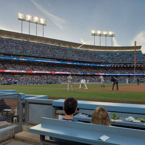 Dodger Stadium , section: 26BL, rangée: 3, siège: 1