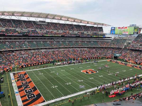 Paul Brown Stadium, section: 345, rangée: 1, siège: 17