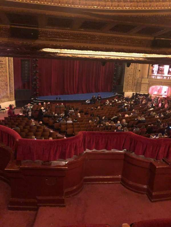 Chicago Theatre, section: Booth T, siège: 1