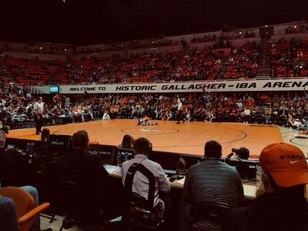 Gallagher-Iba Arena, section: 109, rangée: 3, siège: 1