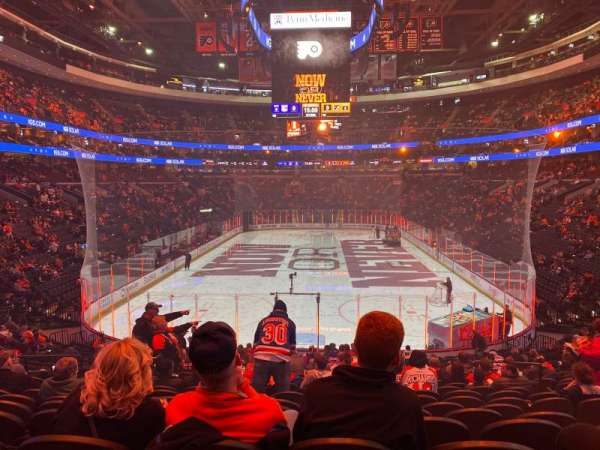 Wells Fargo Center, section: 107, rangée: 23, siège: 9