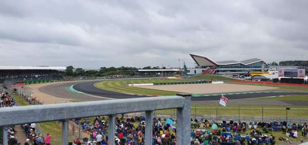 Silverstone Circuit, section: Vale Grandstand