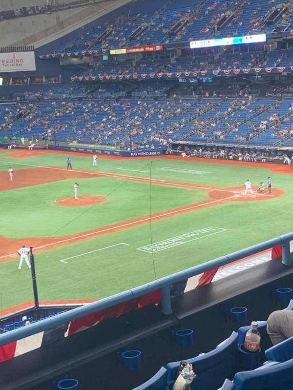 Tropicana Field, section: 215, rangée: D, siège: 10
