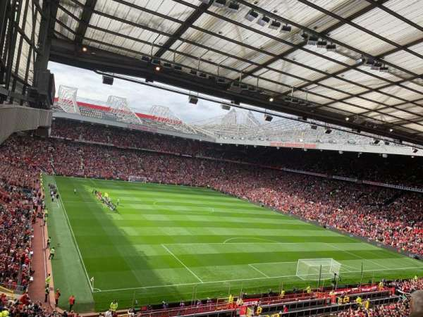 Old Trafford, section: E331, rangée: 3