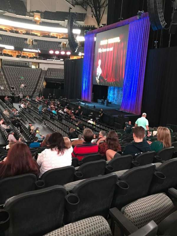 American Airlines Center, section: 105, rangée: O, siège: 11