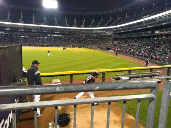 Guaranteed Rate Field, section: 158, rangée: 8, siège: 22