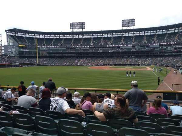 Guaranteed Rate Field, section: 157, rangée: 15, siège: 11
