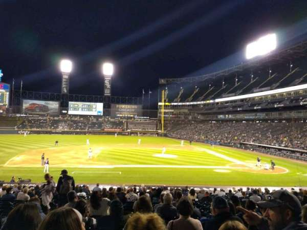 Guaranteed Rate Field, section: 139, rangée: 26, siège: 7