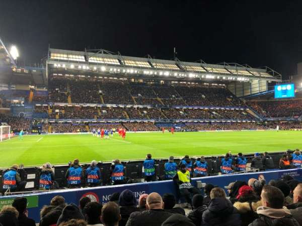 Stamford Bridge, section: West Stand Lower 8, rangée: 8, siège: 201