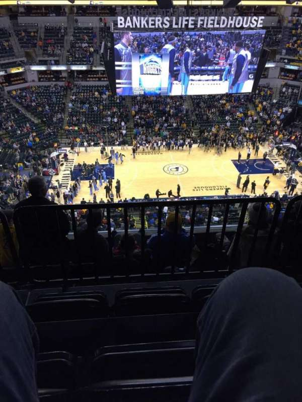 Bankers Life Fieldhouse, section: 208, rangée: 6