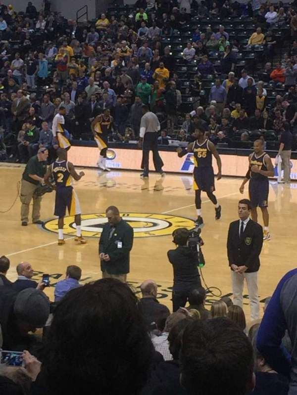 Bankers Life Fieldhouse, section: 15, rangée: 25