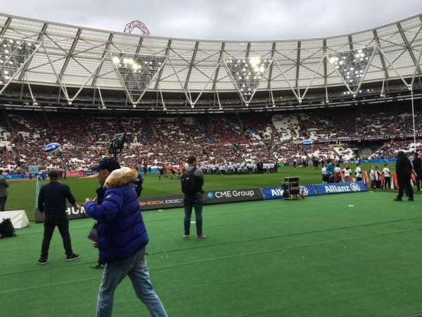 London Stadium, section: 106, rangée: 2, siège: 356