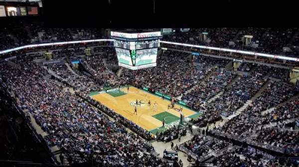 BMO Harris Bradley Center, section: 416, rangée: U, siège: 2