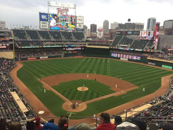 Target Field, section: 214
