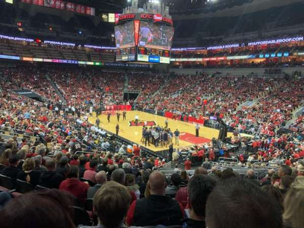 KFC Yum! Center, section: 113, rangée: Y, siège: 10