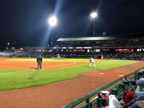 Louisville Slugger Field, section: 123, rangée: A, siège: 7