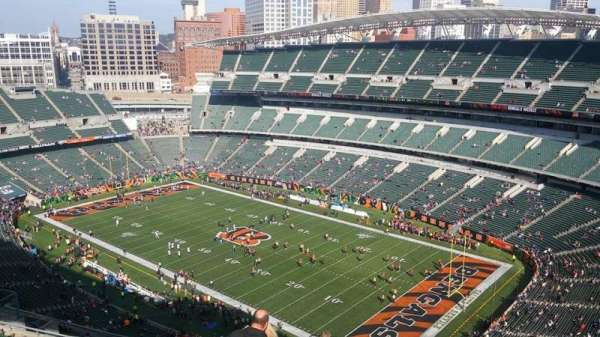 Paul Brown Stadium, section: 303, rangée: 19, siège: 1