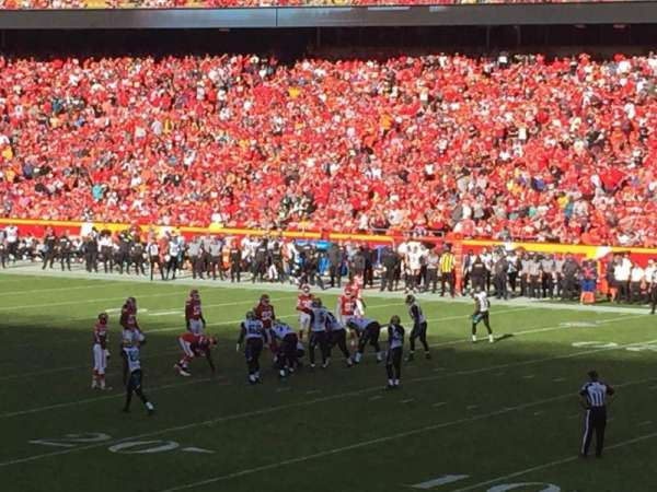 Arrowhead Stadium, section: 115, rangée: 24, siège: 1