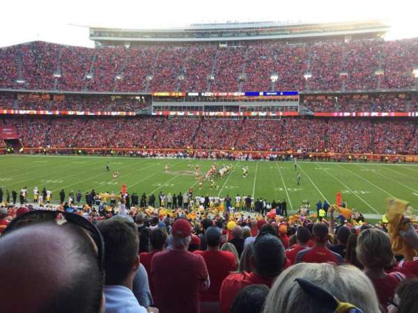 Arrowhead Stadium, section: 136, rangée: 34, siège: 14
