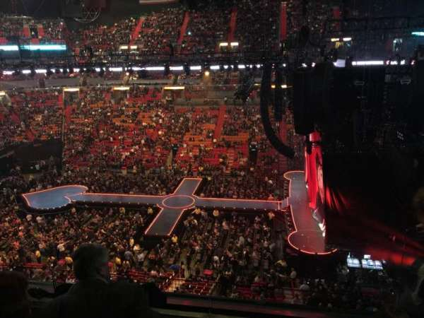 American Airlines Arena, section: 308, rangée: 3, siège: 2