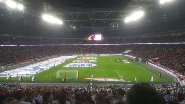 Wembley Stadium, section: 111, rangée: 44 ( back )