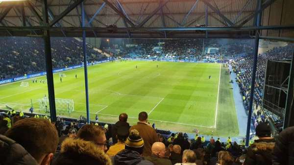 Hillsborough Stadium, section: Leppings Lane, rangée: 32, siège: 142
