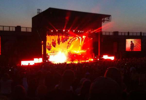 Fiddler's Green Amphitheatre, section: 204, rangée: G, siège: 23