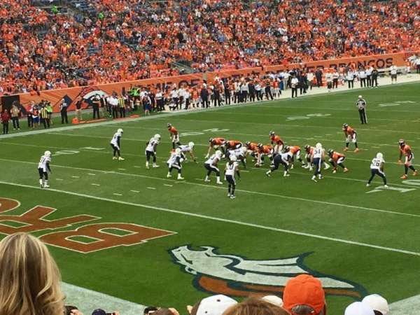 Empower Field at Mile High Stadium, section: 128, rangée: 25, siège: 37