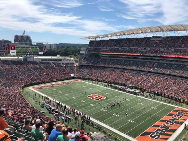 Paul Brown Stadium, section: 334, rangée: 12, siège: 10