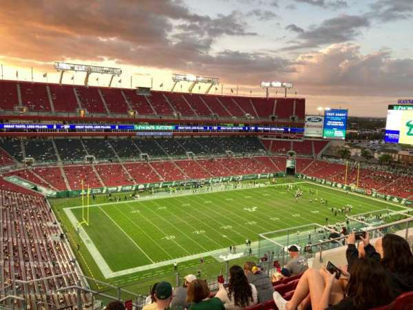 Raymond James Stadium, section: 330, rangée: G, siège: 16