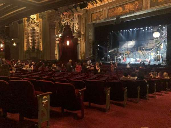 Hollywood Pantages Theatre, section: Orchestra R, rangée: QQ, siège: 2