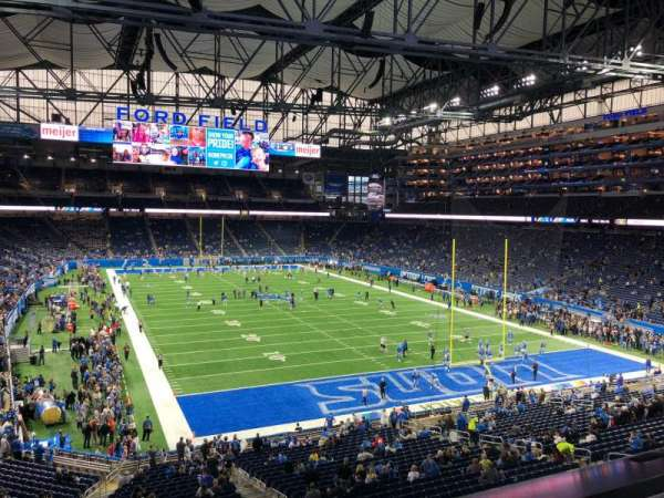 Ford Field, section: 241, rangée: 1, siège: 6