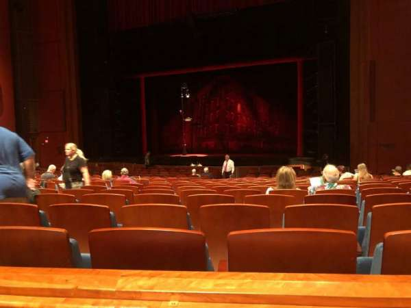 Au-Rene Theatre at the Broward Center, section: Orchestra R, rangée: Y, siège: 14