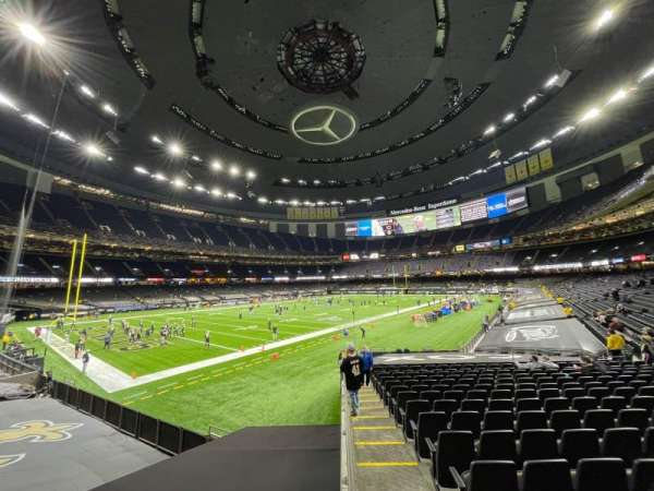 Mercedes-Benz Superdome, section: 121, rangée: 23, siège: 22